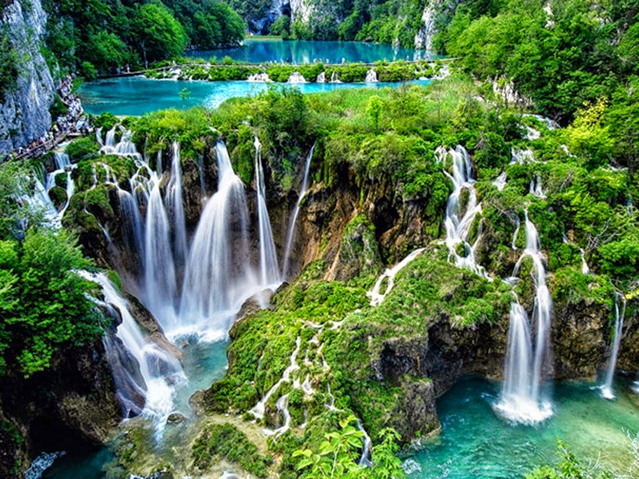 Plitvice, Croatia - Monterrasol private tours to Plitvice, Croatia. Travel agency offers custom private car tours to see Plitvice in Croatia. Order custom private tour to Plitvice with departure date on request.