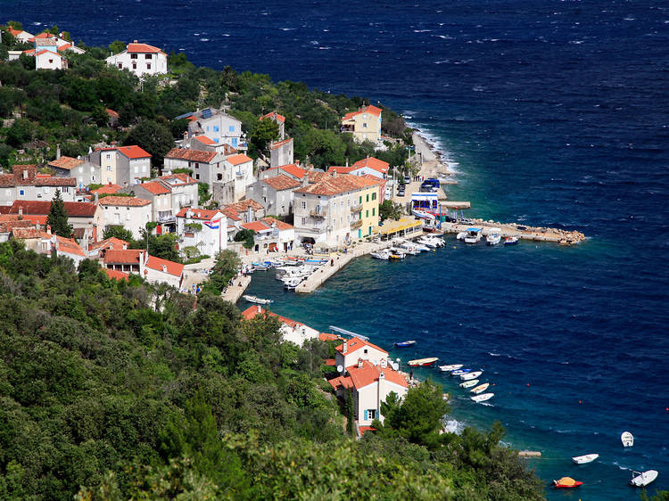 Cres, Croatia - Monterrasol private tours to Cres, Croatia. Travel agency offers custom private car tours to see Cres in Croatia. Order custom private tour to Cres with departure date on request.