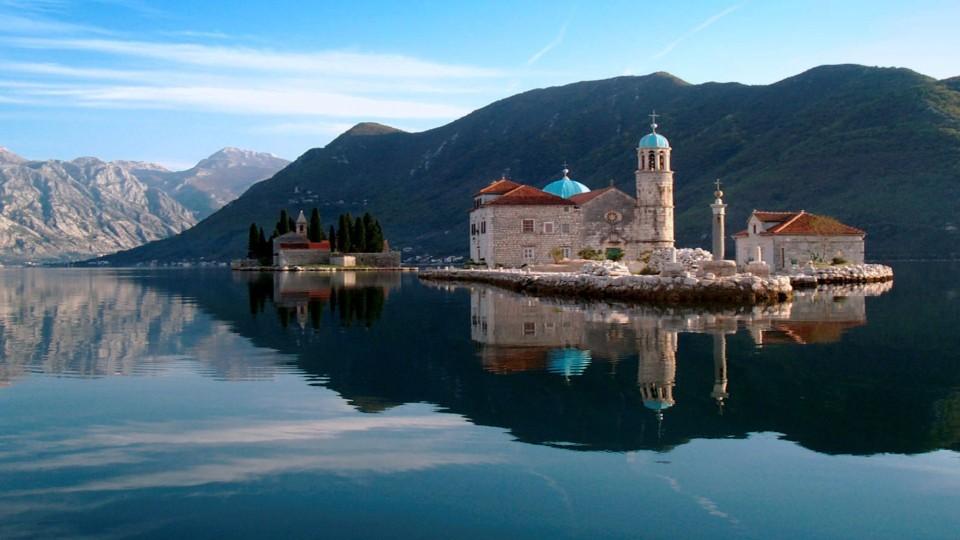 Perast, Montenegro - Montenegro+Bosnia all seasons discovery 3 days mini tour from Tivat. Private tour in minivan from Monterrasol Travel.