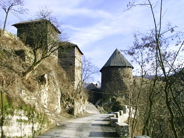Vranduk, Bosnia and Herzegovina - Monterrasol private tours to Vranduk, Bosnia and Herzegovina. Travel agency offers custom private car tours to see Vranduk in Bosnia and Herzegovina. Order custom private tour to Vranduk with departure date on request.