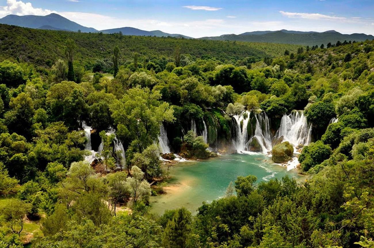 Kravica, Bosnia and Herzegovina - All seasons 5 days Bosnia discovery tour from Split. Visit old towns and monasteries, cave and fortresses. Walk in Sarajevo, Trebinje, Mostar. Enjoy Bosnia beauty.