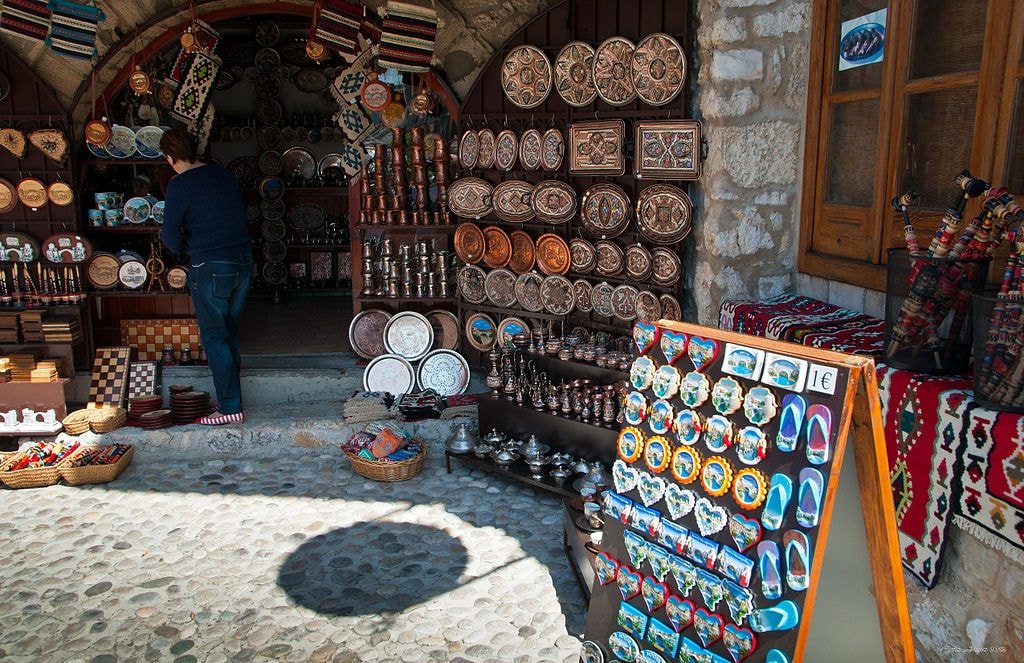 Mostar, Bosnia and Herzegovina - Monterrasol private tours to Mostar, Bosnia and Herzegovina. Travel agency offers custom private car tours to see Mostar in Bosnia and Herzegovina. Order custom private tour to Mostar with departure date on request.