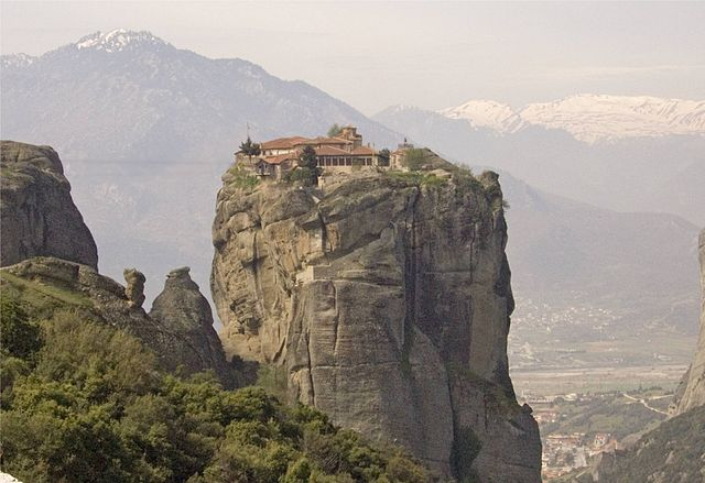 Meteora, Greece - Monterrasol private tours to Meteora, Greece. Travel agency offers custom private car tours to see Meteora in Greece. Order custom private tour to Meteora with departure date on request.