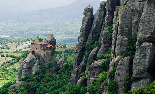 Meteora, Greece - Discover Greece in 9 days tour from Igoumenitsa. UNESCO sites, castles and monasteries. Monterrasol Travel private car tour.