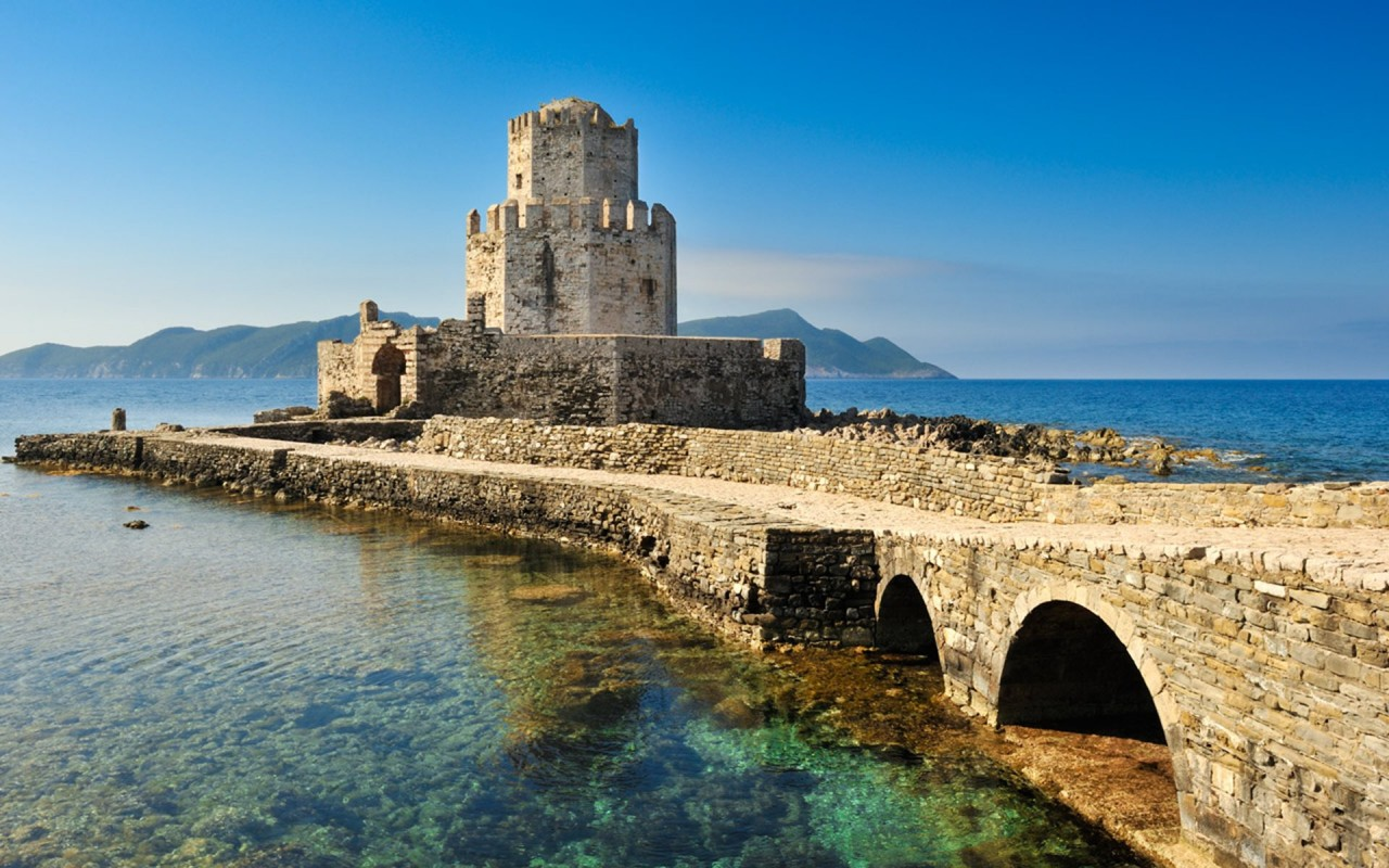 Greek Peloponnese round tour in 15 days. Visit all main attraction of Peloponnese peninsula and see castles, ancient places, beaches. This is Peloponnese where located Sparta, Corinth, Mycenae, Epidaurus, Monemvasia.