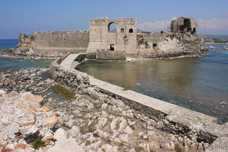 Methoni, Greece - Monterrasol private tours to Methoni, Greece. Travel agency offers custom private car tours to see Methoni in Greece. Order custom private tour to Methoni with departure date on request.